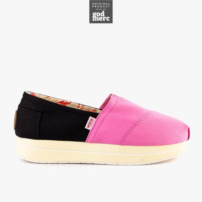 ORIGINAL Wakai Atsui Hame Pink Black Slip On