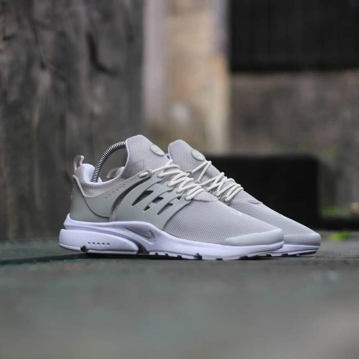 Nike Air Presto Ultra Gray White   Abu Sepatu Pria Wanita Running Gym d40e246d38