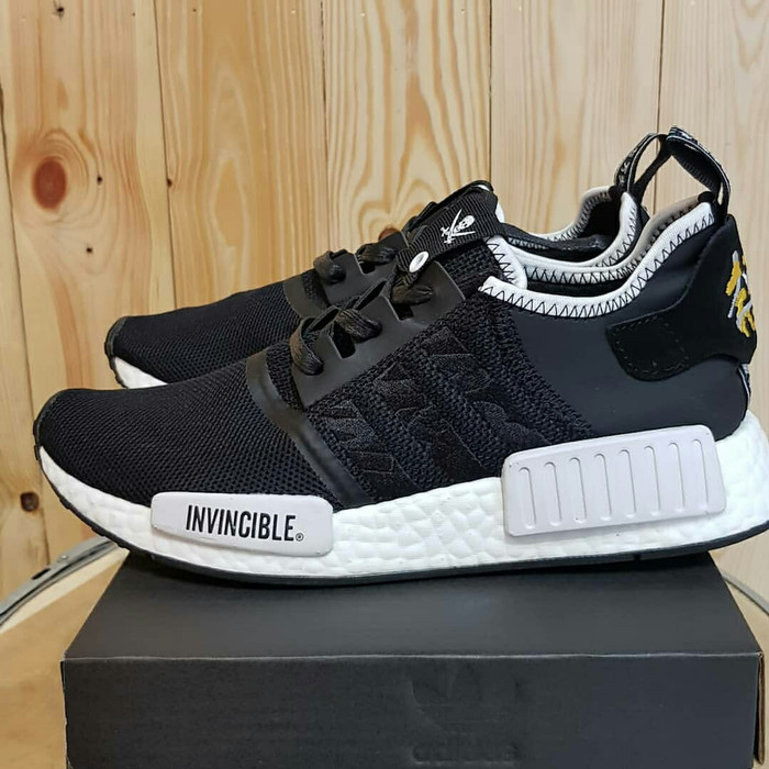 best sneakers 1dcc3 3b291 Jual Adidas NMD R1 X neighborhood x invincible - Hitam, 40 - graffysneakers  | Tokopedia