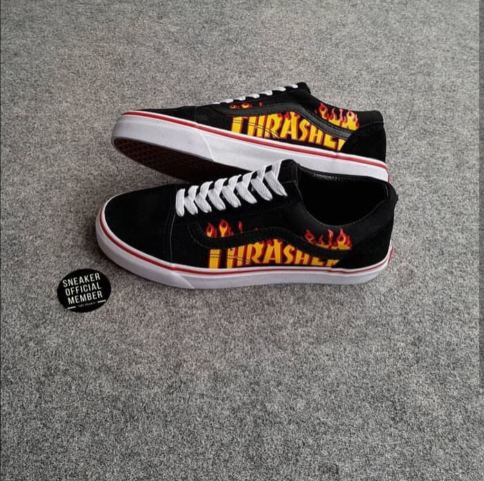3950138b4a Jual Sepatu Vans Old Skool X THRASHER Black White BNIB Original ...
