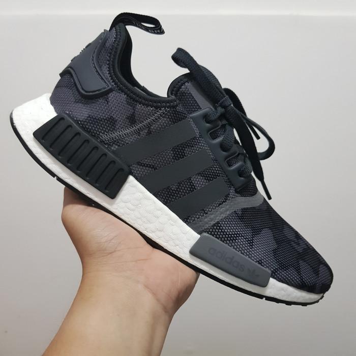 100% authentic e8fd3 6c174 Jual Adidas NMD R1 Duck Camo Black Grey - Jakarta Utara - SneakersHut |  Tokopedia