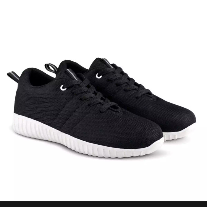 Katalog Sepatu Adidas Keren Travelbon.com