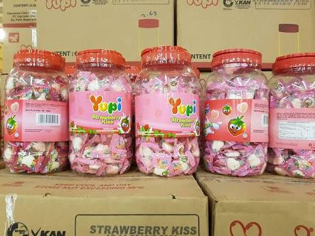 Foto Produk Permen Yupi Love, Strawberry Kiss dari Djaja.Shop