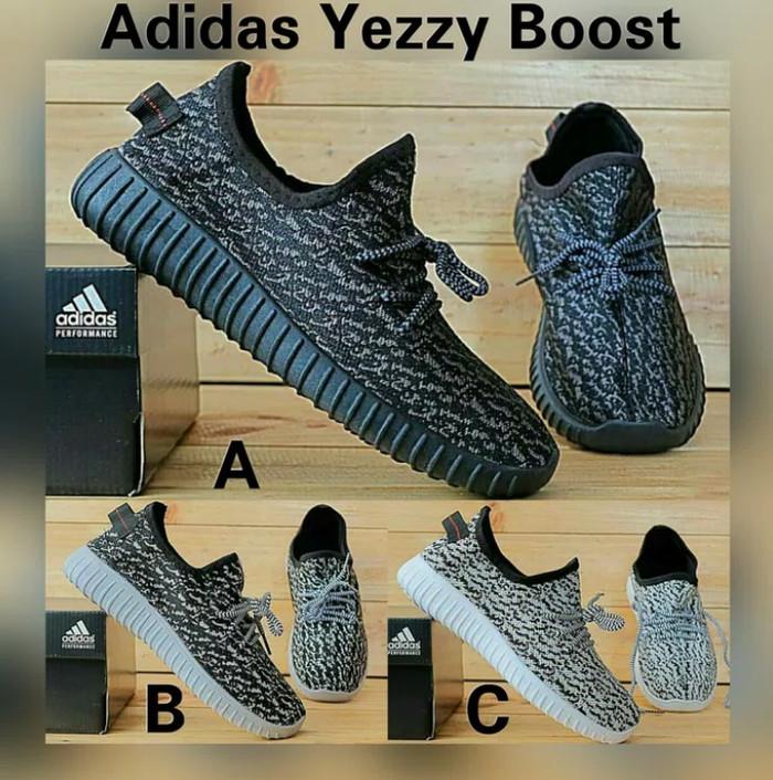 ad5a5dcae8010f Jual Sepatu Anak Adidas Yeezy Boost Sepatu Sekolah Hitam Laki