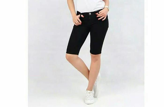Celana Pendek Jeans Bandidas Woman