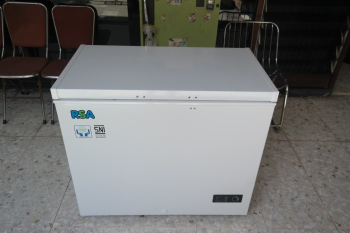 Freezer Chest RSA CF 220 Bekas Murah