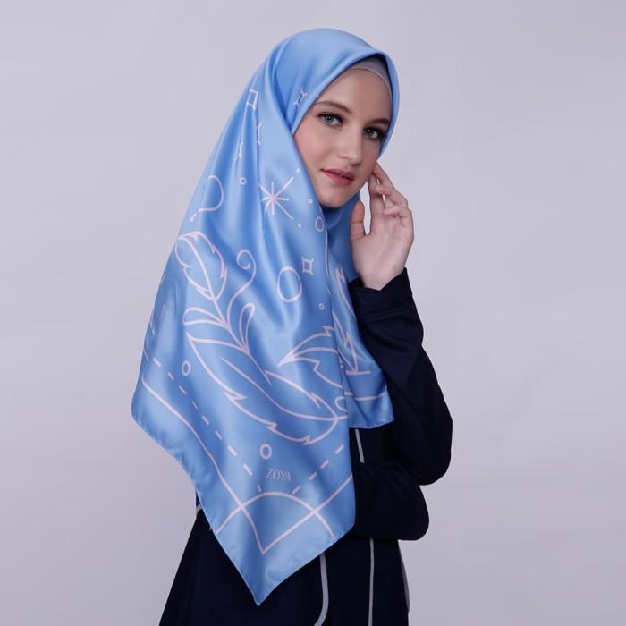 kerudung satin zoya segi empat cantik - reanna scarf - light blue
