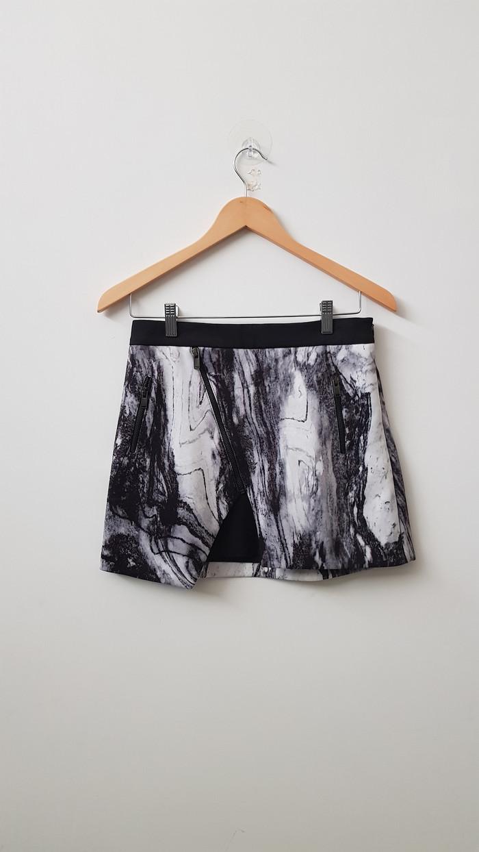 Info Zara Basic Black Hargano.com