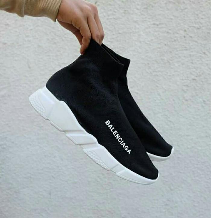 Daftar harga Sepatu Balenciaga Speed