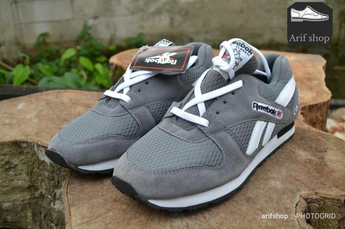 Sepatu Reebok grade original - pria dan wanita sepatu murah jaman now -  Hitam 77a11bcb8f