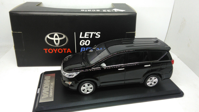 harga Miniatur diecast mobil toyota kijang innova reborn 2016 new terbaru Tokopedia.com