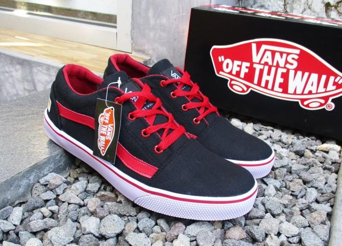 harga Promo sepatu vans oldskool hitam merah sol karet plus box size 39 - 43 Tokopedia.com