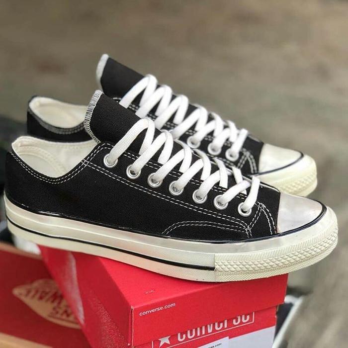 Jual Sepatu Pria Converse All Star Chuck Taylor CT 70s Low Premium ... 517378108a