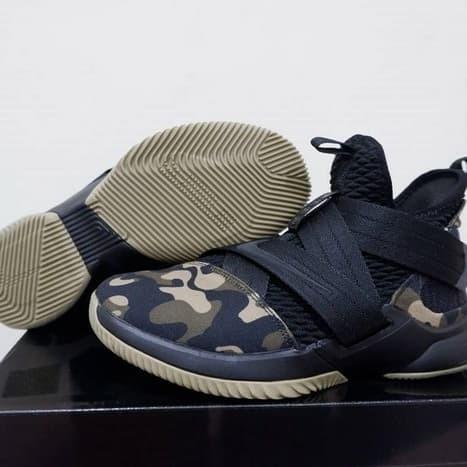 7057d1c2655 Jual Sepatu Basket Nike Lebron Soldier 12 Army - Kota Batam - grovy ...