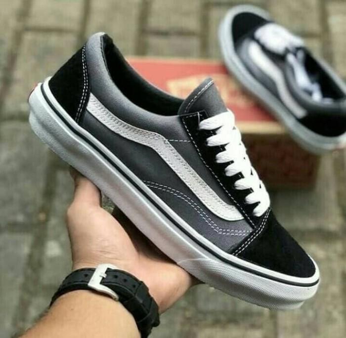 ... harga Sepatu pria - vans old skool grey black white - go Tokopedia.com afc3c20bfb