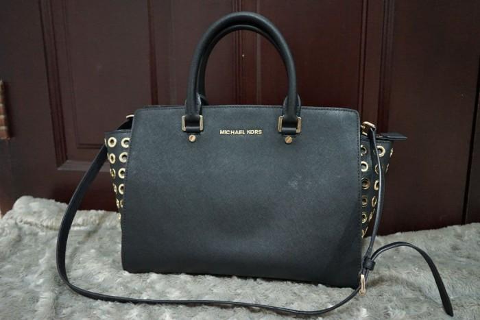 ea18e91623b1d3 Michael Kors Selma Chain Saffiano Leather Black Medium Size ORIGINAL