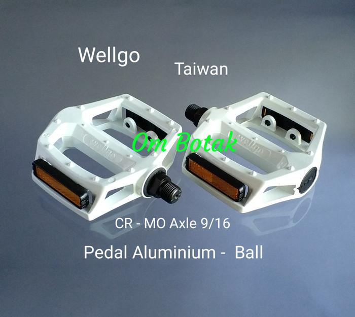 harga Pedal wellgo 313 9/16 aluminium cr-mo axle putih. spare part sepeda Tokopedia.com