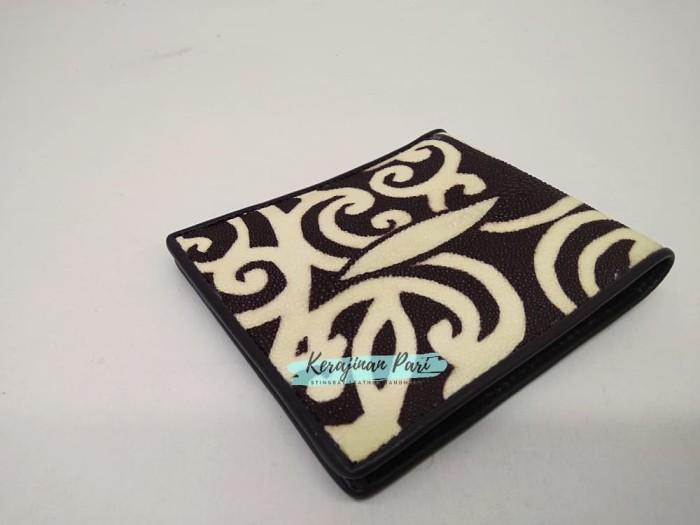 harga Dompet pria kulit pari coklat batik kalimantan Tokopedia.com