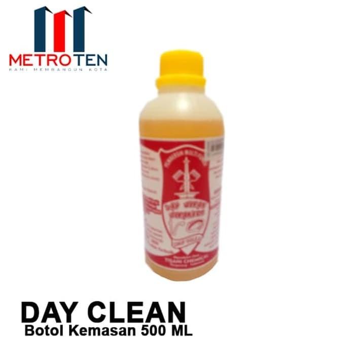 Image DAY CLEAN Kemasan Botol Plastik 500ml