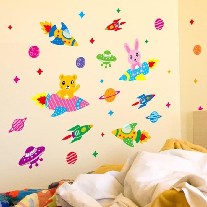 jual set stiker dekorasi dinding motif roket kartun ruang angkasa
