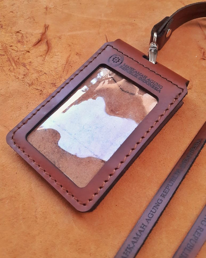 harga Name tag kulit id card holder kulit Tokopedia.com