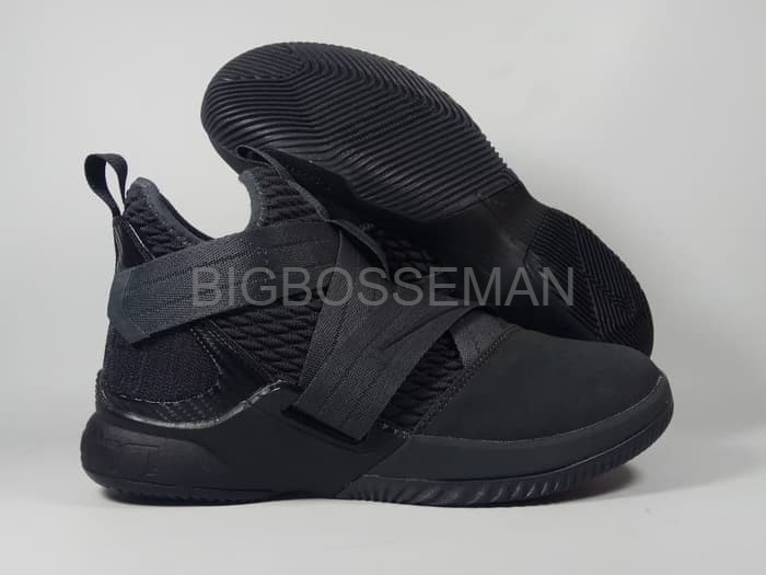 buy popular f5b71 591c9 Jual BIG SALE SALe Sepatu Basket LEBRON SOLDIER 12 TRIPLE BLACK Replika Im  - DKI Jakarta - bigbosseman | Tokopedia