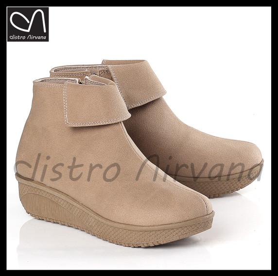 harga Sepatu wanita boots casual kerja hangout distro santai boot cewek Tokopedia.com