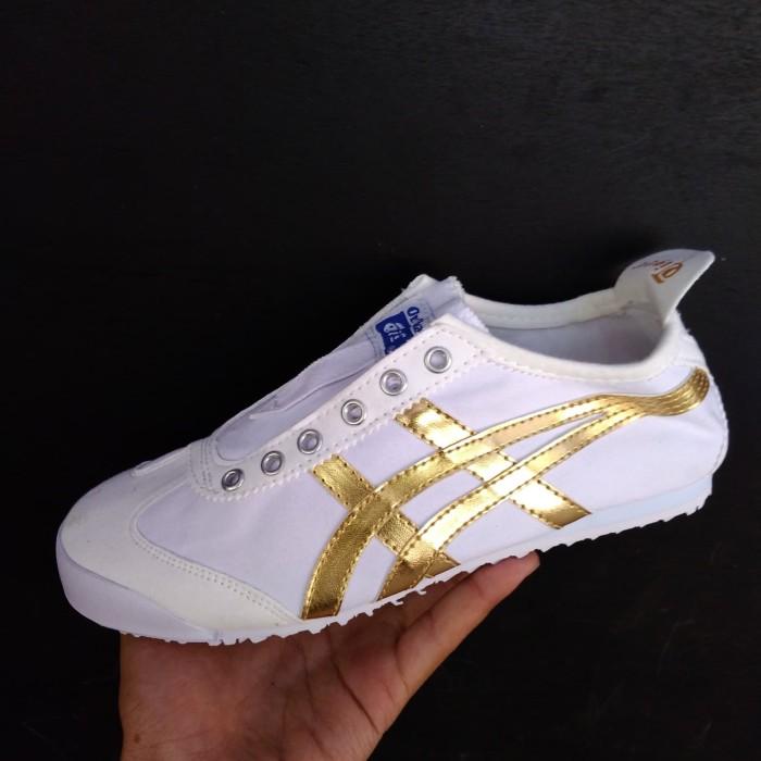 newest d39ff 967c1 Jual Onitsuka Tiger Slip on White Gold - DKI Jakarta - ninashoes77 |  Tokopedia