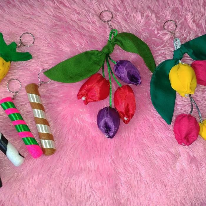 Unduh 98 Gambar Gantungan Kunci Bunga Tulip Dari Kain Perca HD Paling Keren