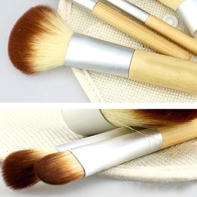 harga Kabuki set kuas makeup bamboo cosmetic make up brush 4 pcs 4pcs pouch Tokopedia.com