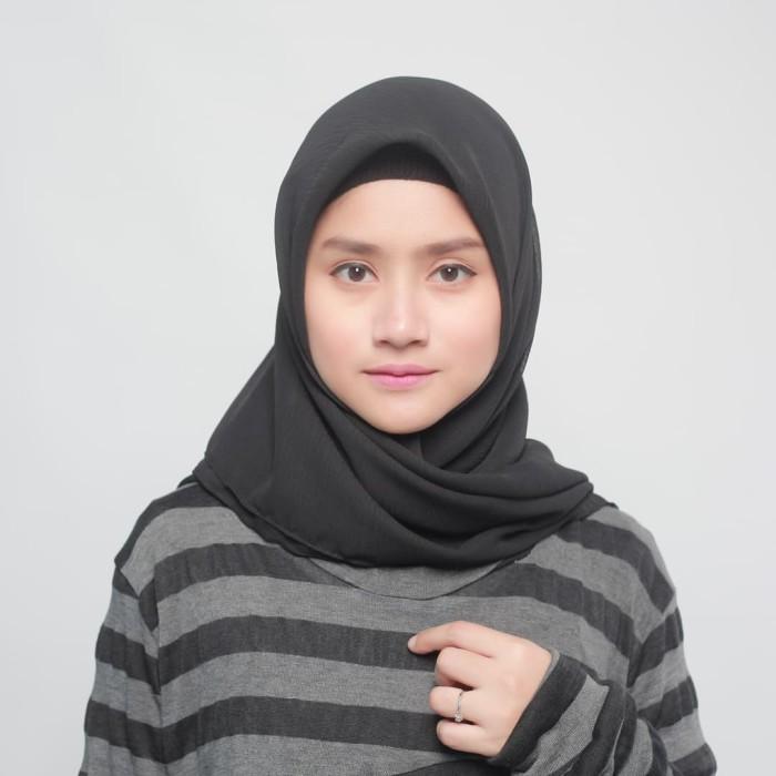 eclemix jilbab cornskin black hitam scarf square segi empat - hitam