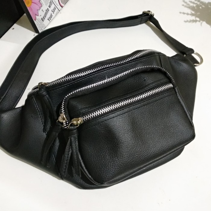 Tas wanita waist bag slingbag model stradivarius