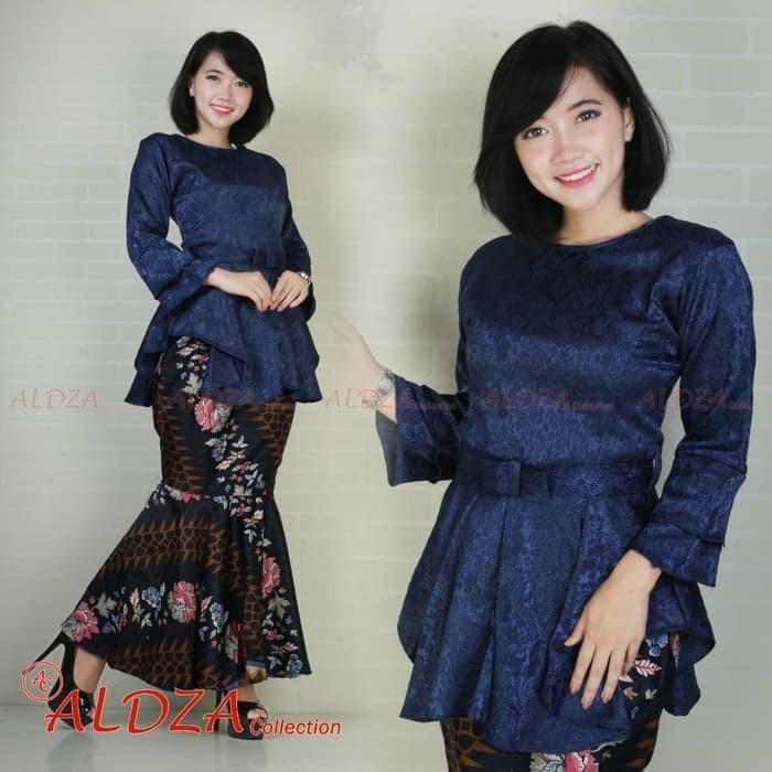 Jual Kebaya Modern Jacquard Silk Navy Setelan Rok Duyung Navy Kota Bekasi Store Butiktop Com Tokopedia
