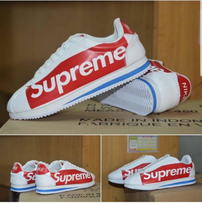 reputable site c8660 899de Jual Nike Cortez X Supreme Import / White Red /Sepatu Nike Running Gym -  Jakarta Barat - Polyphia | Tokopedia