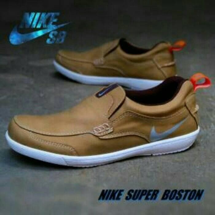 Sepatu Pria Formal Casual Santai Nike Boston Slop Olahraga Sneakers -  Cokelat Muda 316d229095