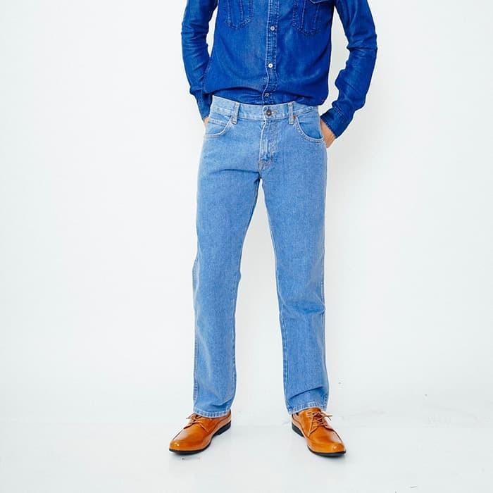 Edwin Celana Jeans Pria Panjang warna Biru Muda (506-COB-28) - Biru Muda bb8a59ec86