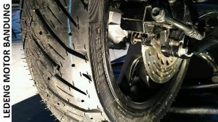 Katalog Ban Motor Pirelli Travelbon.com