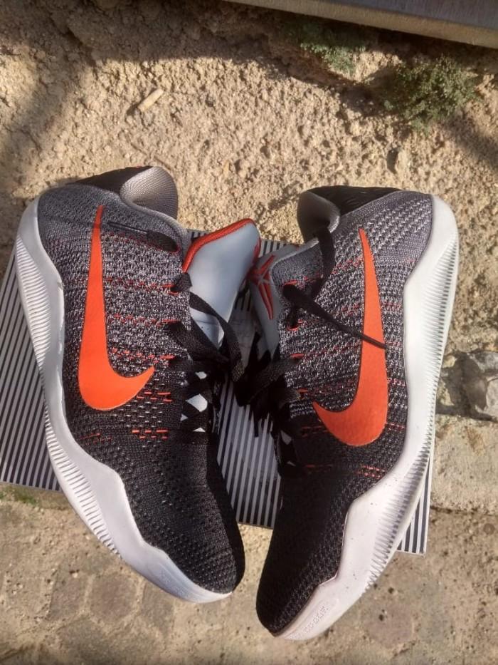 87460e5c2ca8 Jual Sepatu Basket Nike Kobe 11 Elite