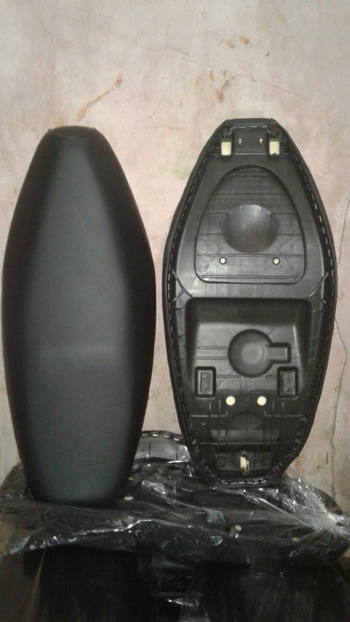 Jok motor Shogun 125 R - Hitam