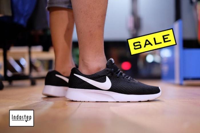 c5583a0e6 Jual Sepatu Nike ORIGINAL Tanjun Black White - Hitam