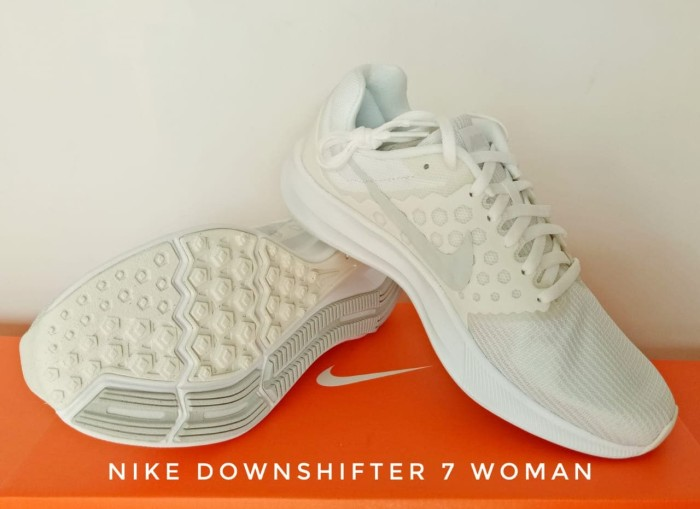 Sepatu Lari/Running Women NIKE Downshifter 7 White (852466-100) - White