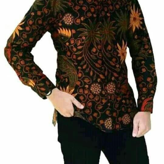 1010 Gaya Baju Batik Pria Lengan Panjang Warna Hitam Terbaik