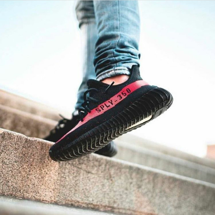 low priced f61cd 57915 Jual Adidas Yeezy Boost 350 V2 - Black Friday / Red Stripes - Jakarta Barat  - Shoes Warehouse Jkt | Tokopedia