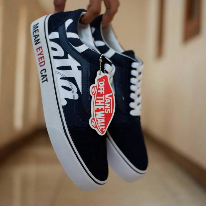 Jual Sepatu Vans Old Skool Patta   Navy White   sekolah casual kets ... 1ec3442699