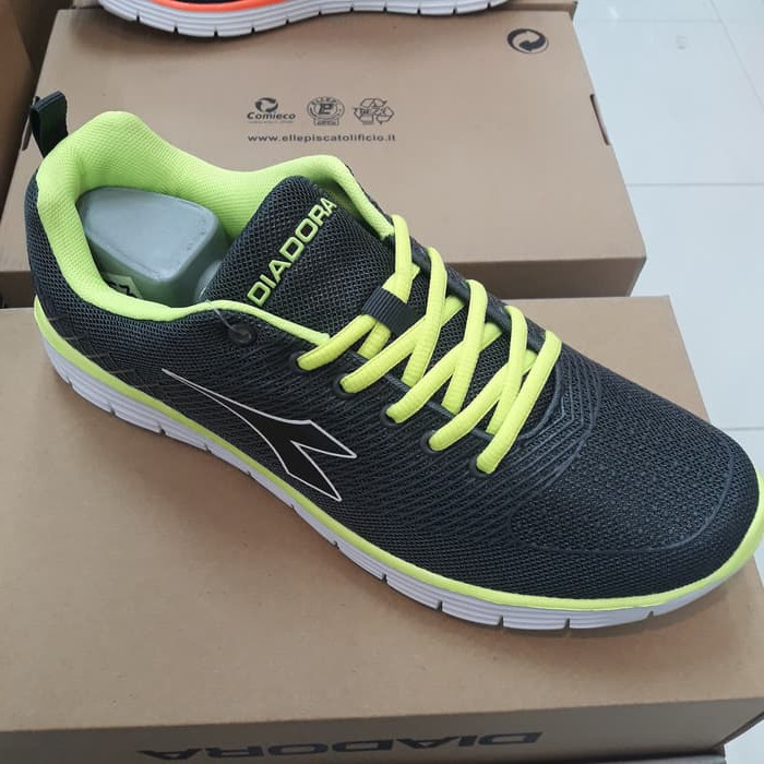 Jual sepatu running diadora speed original Harga MURAH   Beli Dari ... 7120de63fb