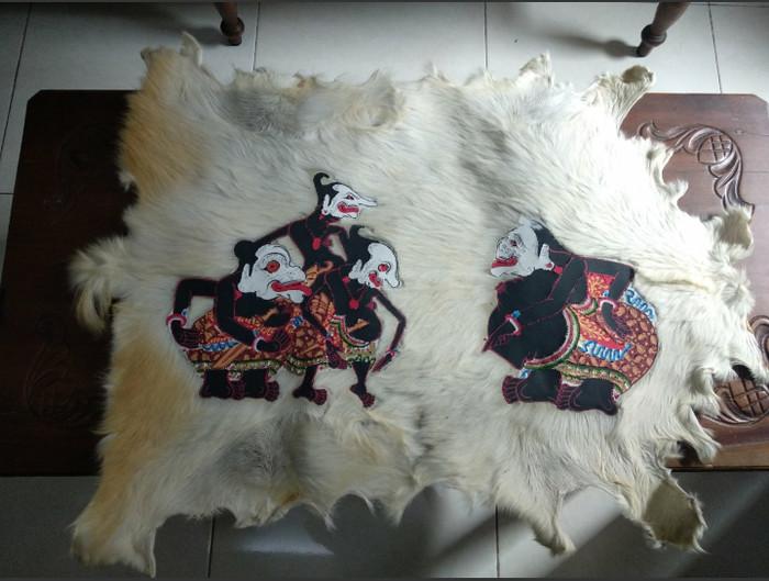harga Lukisan wayang punokawan kulit kambing full body 77x55cm Tokopedia.com
