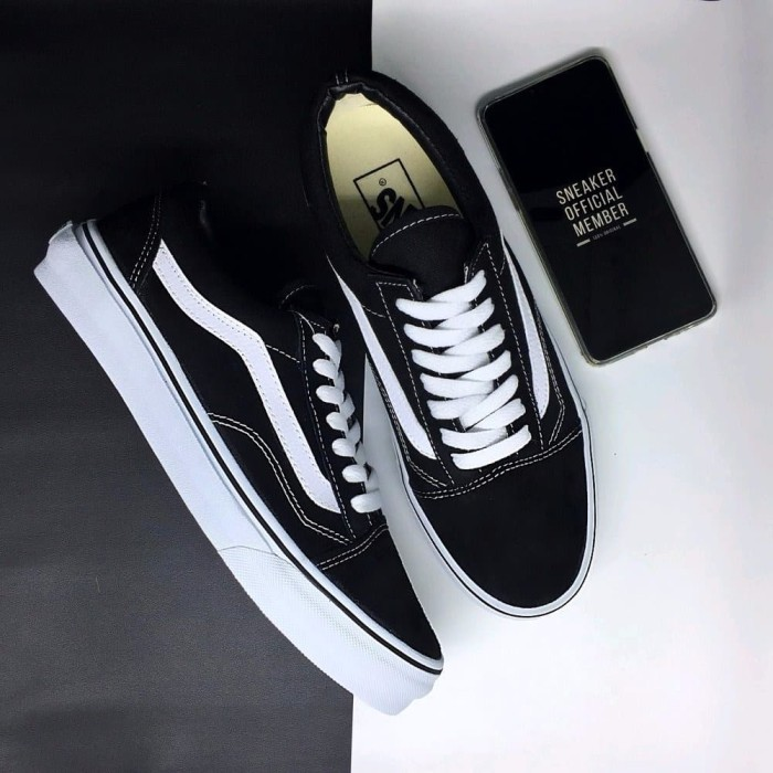 Jual OBRAL Sepatu Vans Old Skool Classic Black and White DT BNIB ... dfa45eb42e