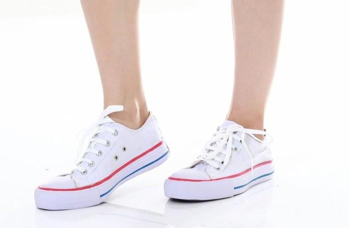 2d99fc5d27e8 Jual Sepatu Converse All Star White Putih List Merah Grade Ori ...