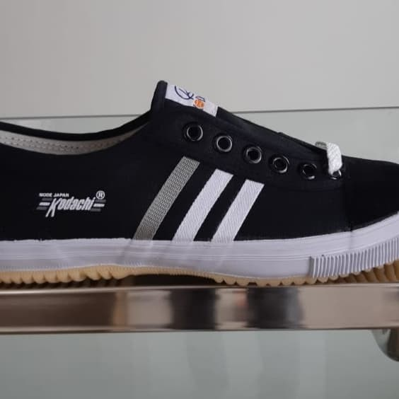 Foto Produk Sepatu kodachi 8111 hitam putih dari SunZ Bicycle88