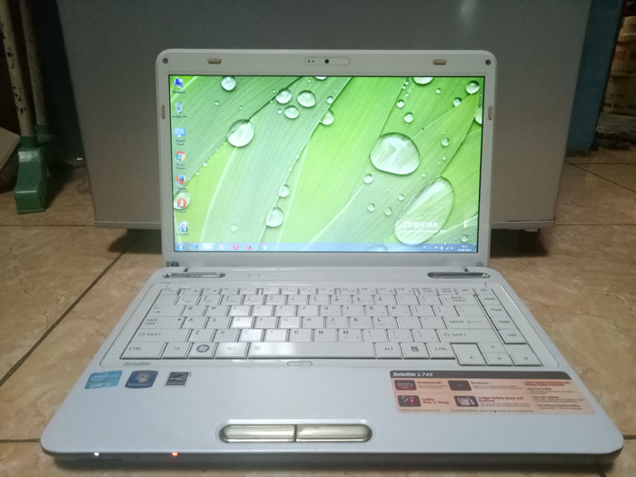 Toshiba L745 Core i5 2520M.Vga Nvidia Geforce GT525 1Gb 128Bit.Wind 7